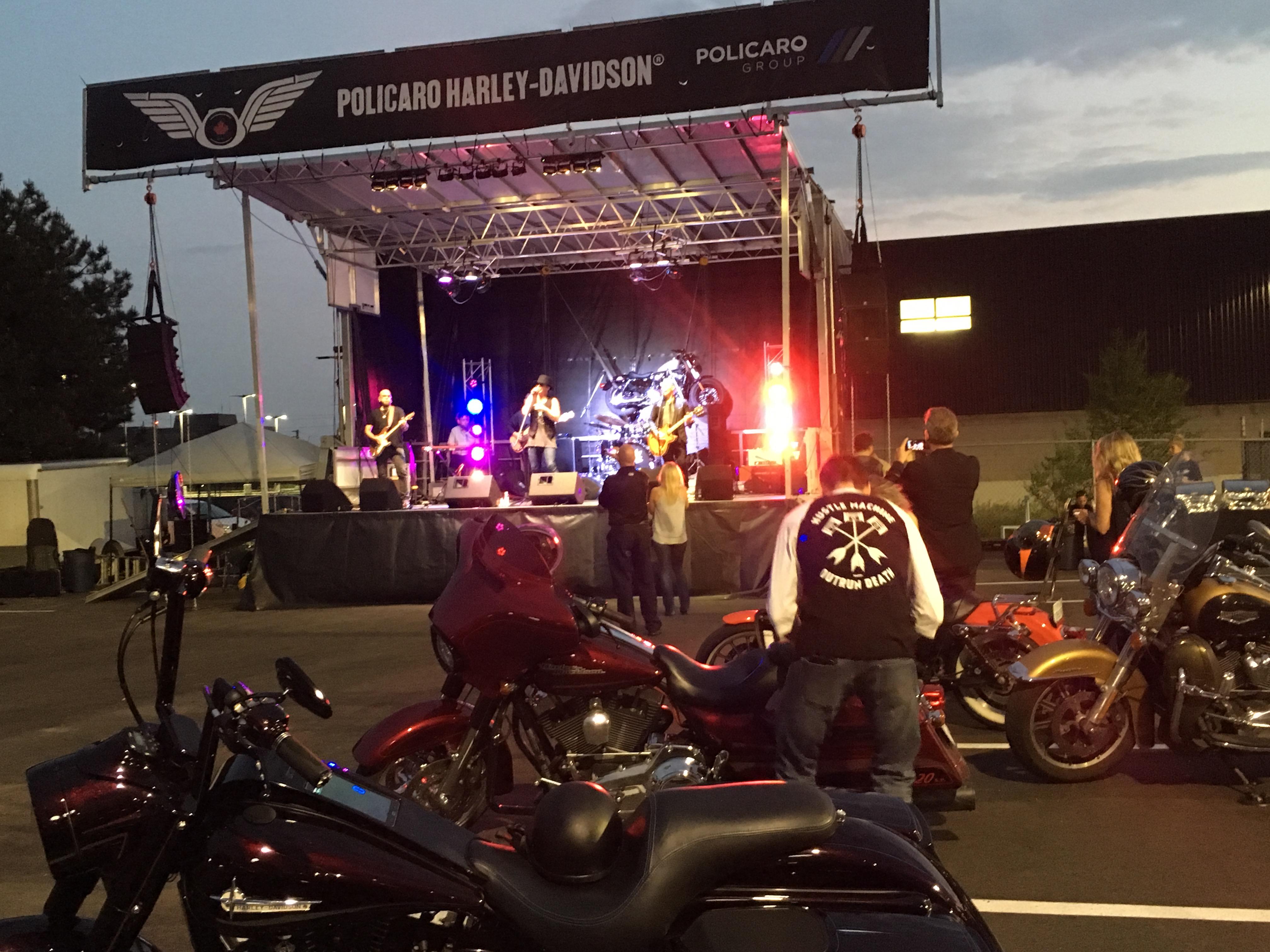 SL100 Policaro Harley Davidson Grand Opening